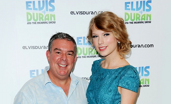 www.radioiloveit.com | Elvis Duran, here with Taylor Swift, remembers that his morning show became successful when Z100's station management gave him and his team their complete trust and creative freedom (photo: Just Jared)