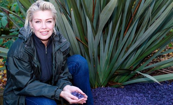 Kim Wilde, home garden