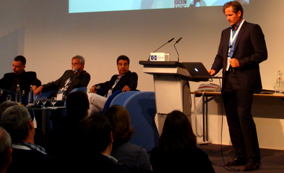 www.radioiloveit.com | Martin Liss (ENERGY Germany), Matthias Matuschik (BAYERN 3), Wolfram Tech (bci) and Christoph Pöschl (Brand Support, standing) during the session about personality radio at the Lokalrundfunktage 2011 in Nürnberg, Germany (photo: Thomas Giger)