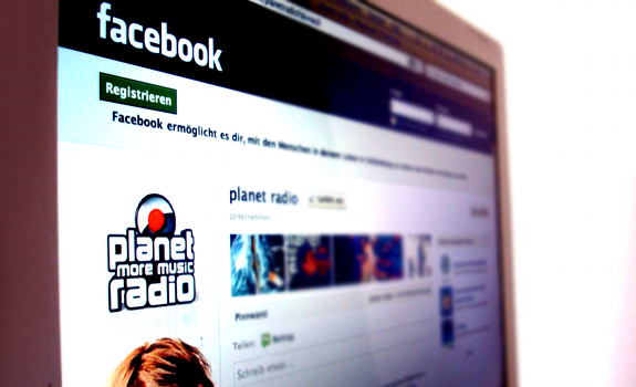 www.radioiloveit.com | planet more music radio tries to engage their young audience in surprising ways every day through their facebook wall, as it's the station's most important backchannel (photo: Thomas Giger)