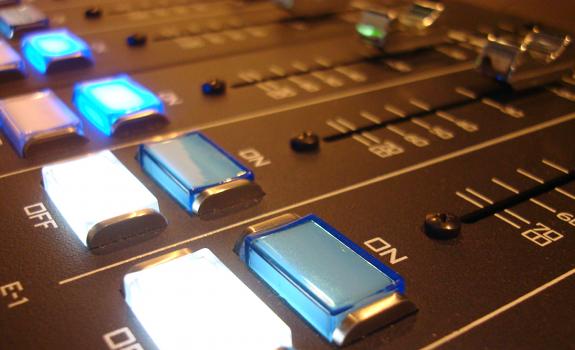 radio broadcast audio mixer, radio broadcasting sound mixer