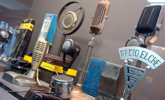 vintage radio microphones, vintage broadcast equipment, Radio Elche