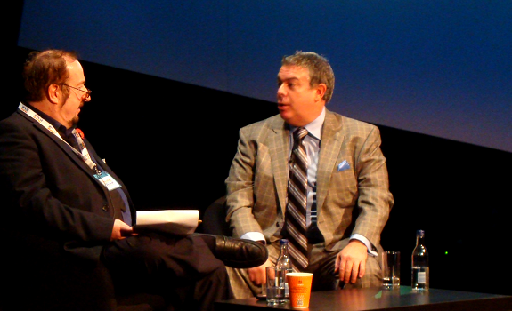 www.radioiloveit.com | Elvis Duran (right) tells Steve Wright that although his morning show is left wing oriented, he stays away from political topics because he wants to appeal to a mass audience, and his young female audience tunes in for entertainment (photo: Thomas Giger)