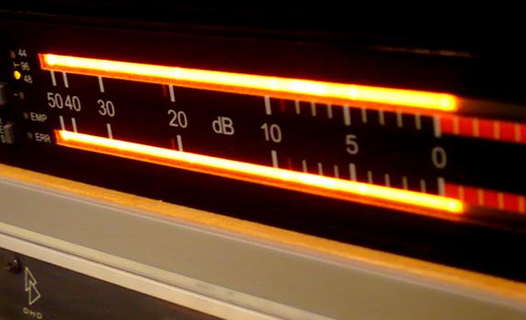 VU meters, volume levels, dB, Decibel, stereo channel